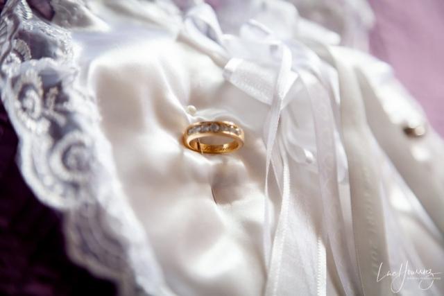 alliance mariage dans un coussin