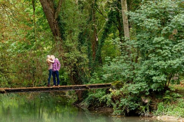 amoureux sur un pont