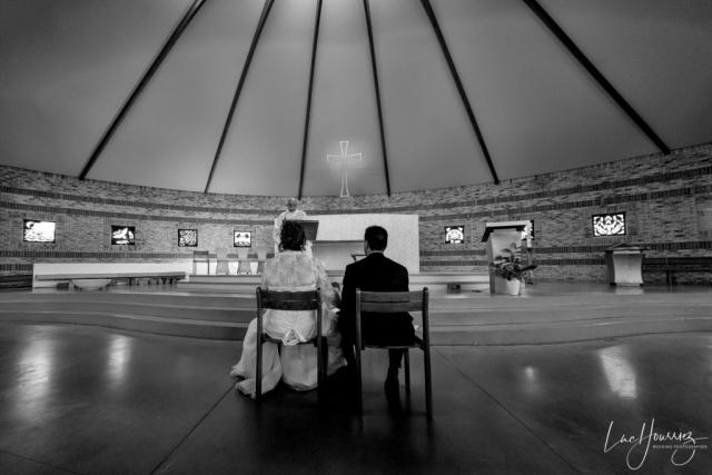 cérémonie de mariage dans une eglise
