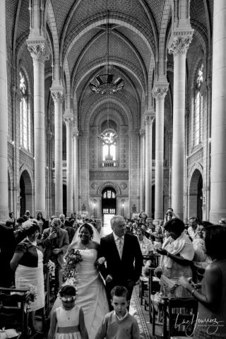 entrée de la mariée dans une eglise (2)
