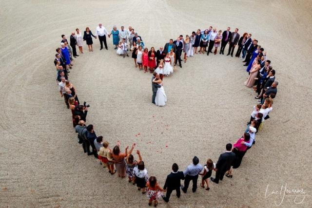groupe de mariage en forme de coeur