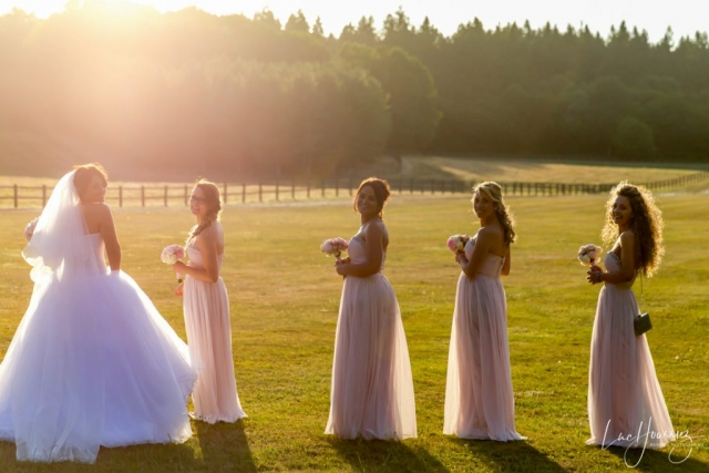 la mariée et ses demoisselles d'honneur