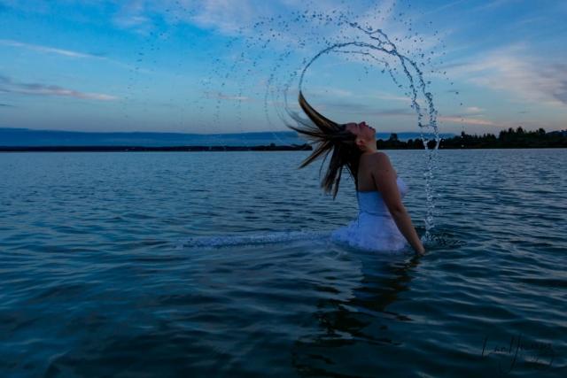 mariée dans l'eau