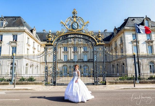 mariée devant la prefecture de Troyes
