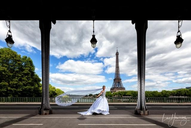mariée sur le pont de Bir Hakeim à Paris