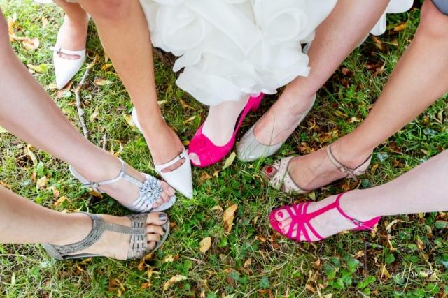 photo des chaussures des temoins de mariés