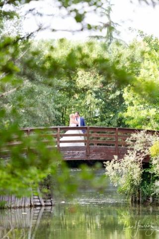 photos de couple de mariage au parc de fouchy