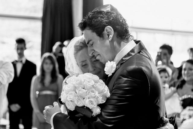 une mariée qui pleure