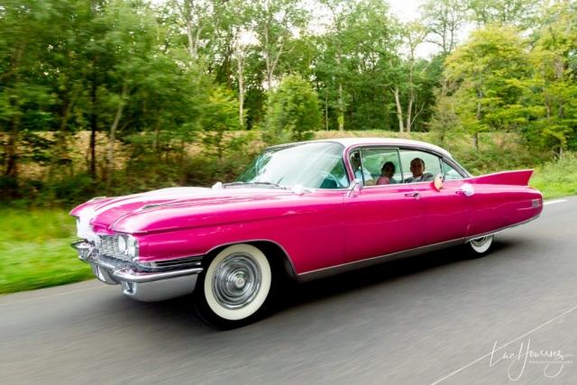 voiture mariage rose